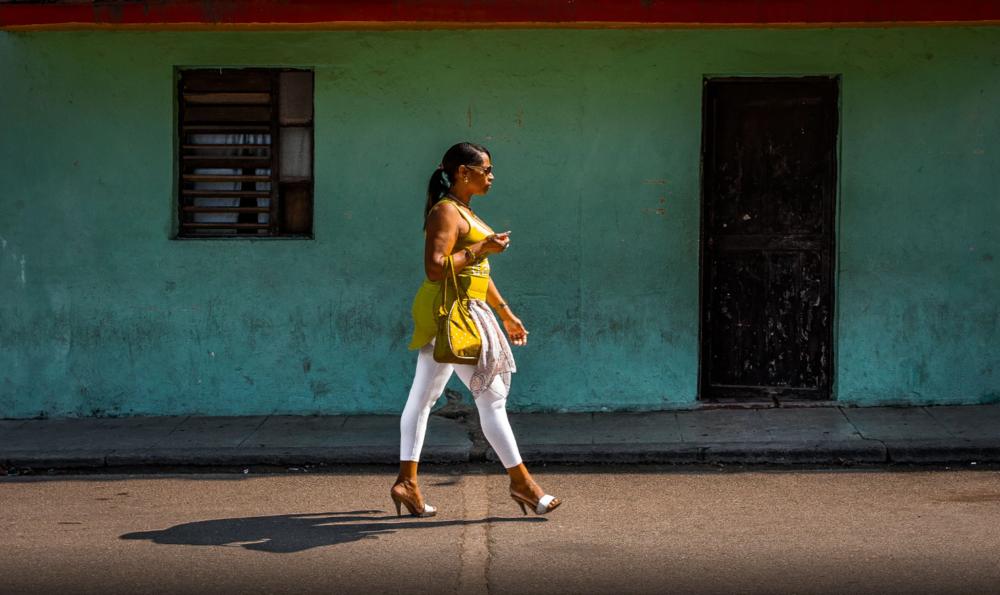 Walking on high heels by Inge Schuster,500px.com