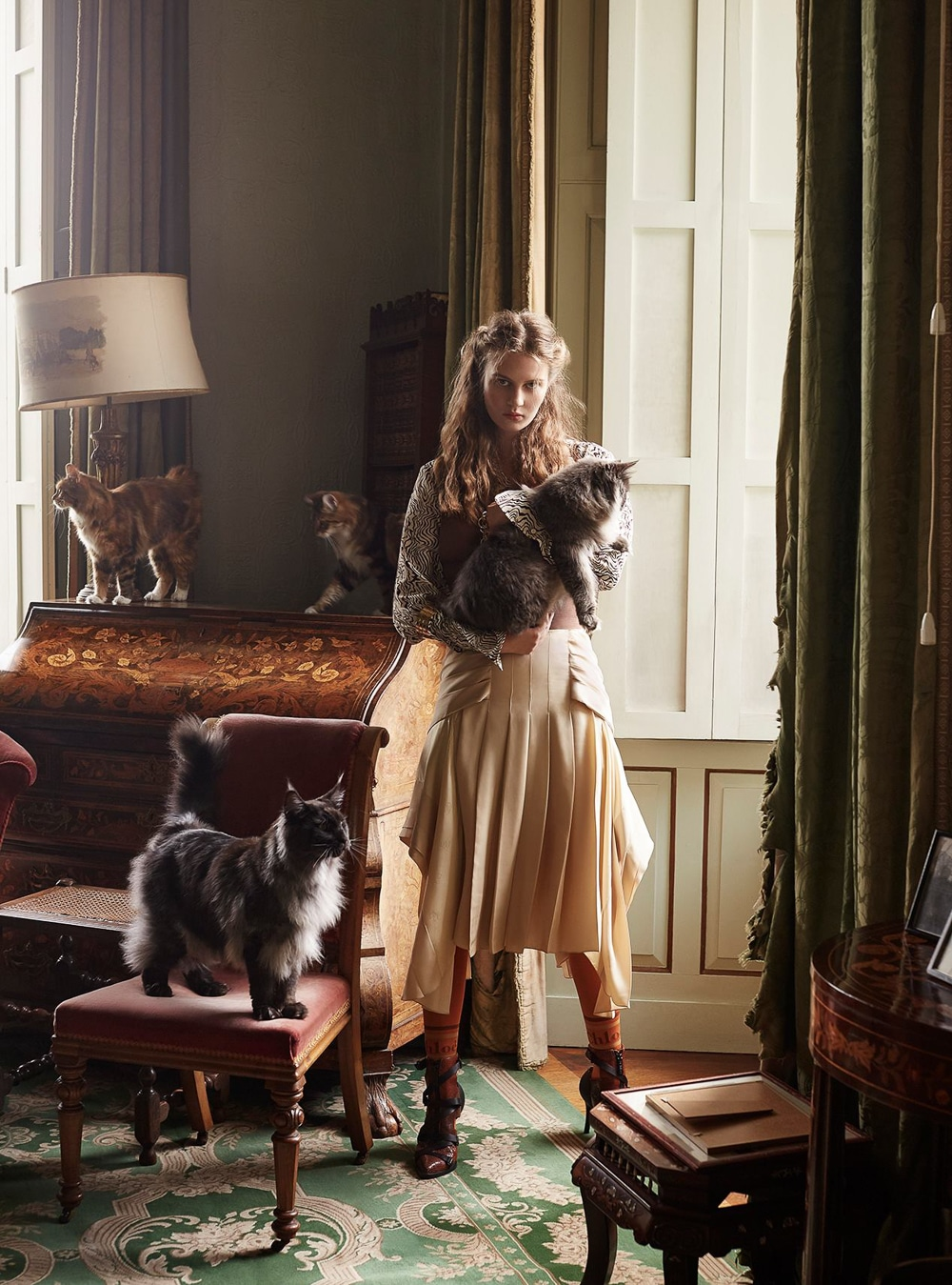 Harpers-Bazaar-UK-Septamber-2018-Florence-Kosky-Agata-Pospieszynska-3.jpg