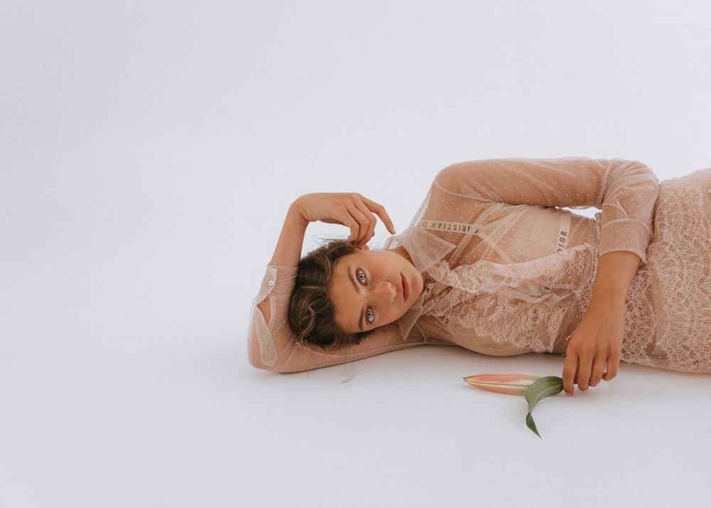 Glamour-Mexico-September-2018-Melina-Martin-Kapturing-5.jpg
