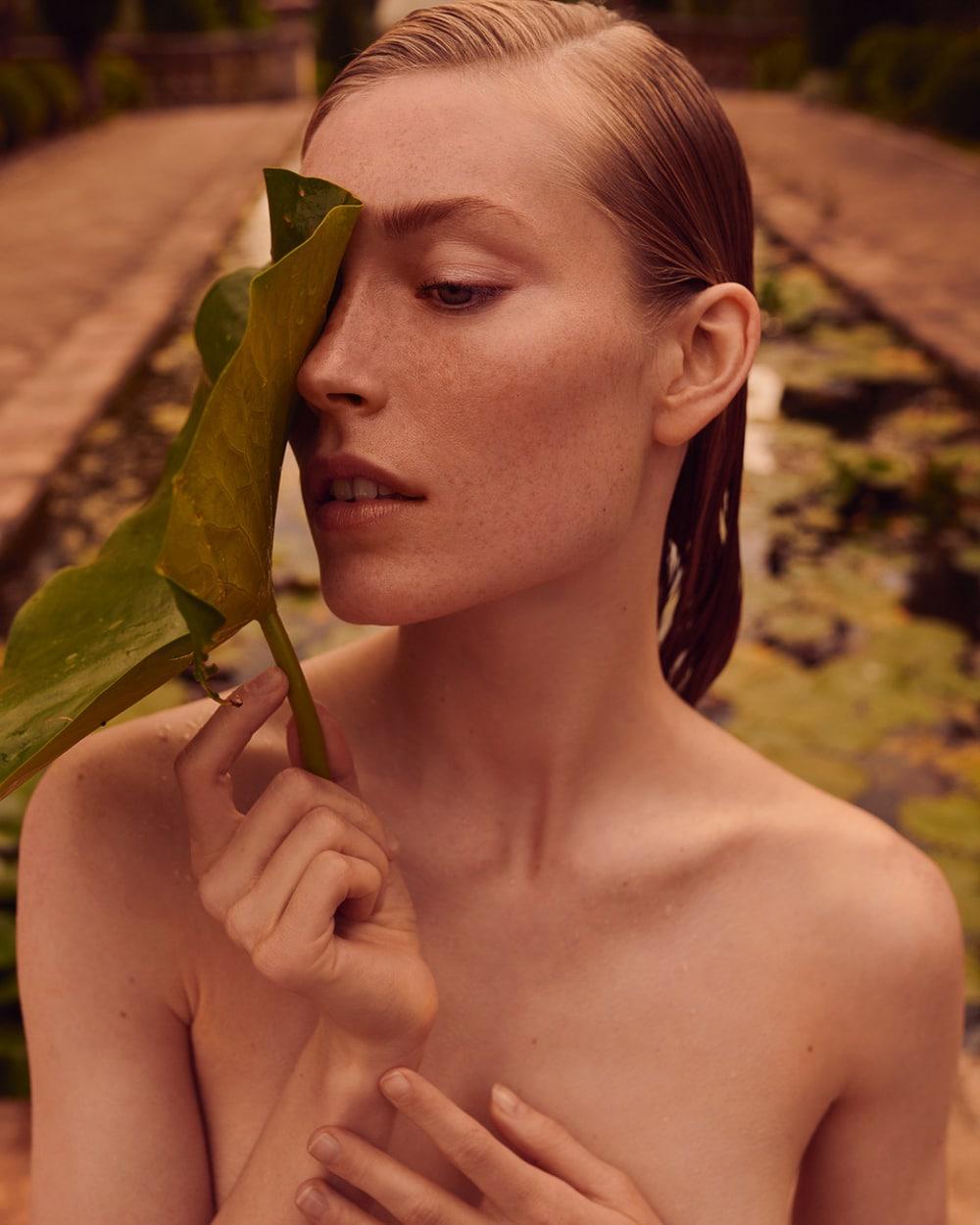 Caroline-Lossberg-Vogue-Portugal-Andreas-Ortner-5.jpg