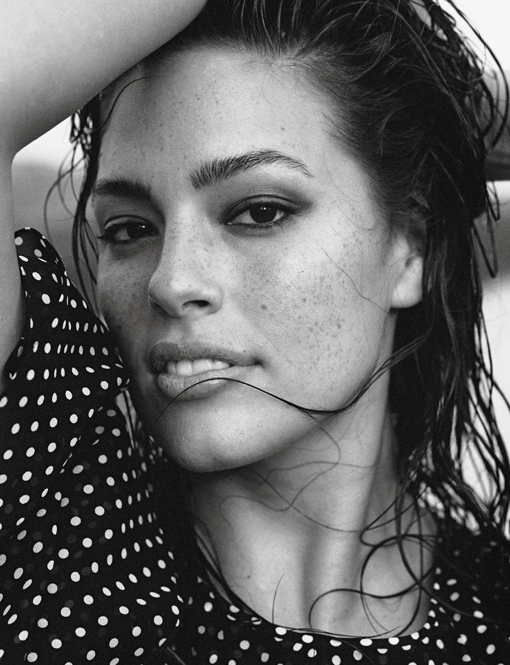 Ashley-Graham-by-Lachlan-Bailey-for-Vogue-Paris-November-2018-3.jpg