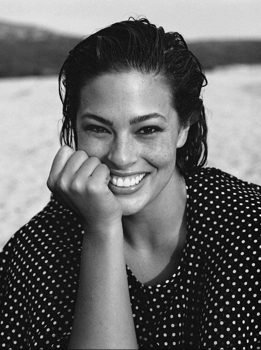 Ashley-Graham-by-Lachlan-Bailey-for-Vogue-Paris-November-2018-4.jpg