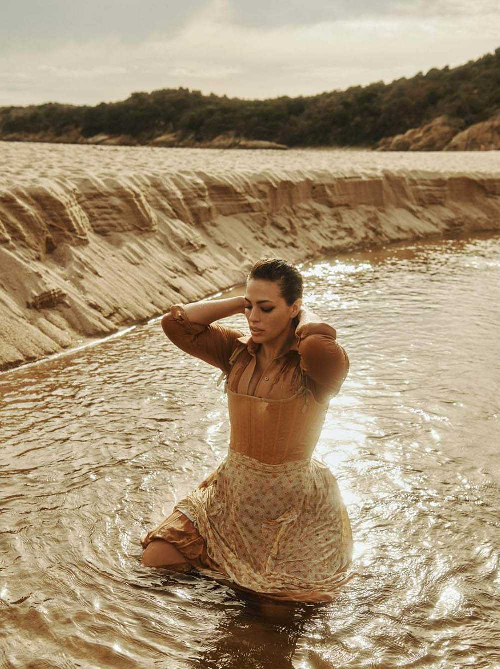 Ashley-Graham-by-Lachlan-Bailey-for-Vogue-Paris-November-2018-15.jpg