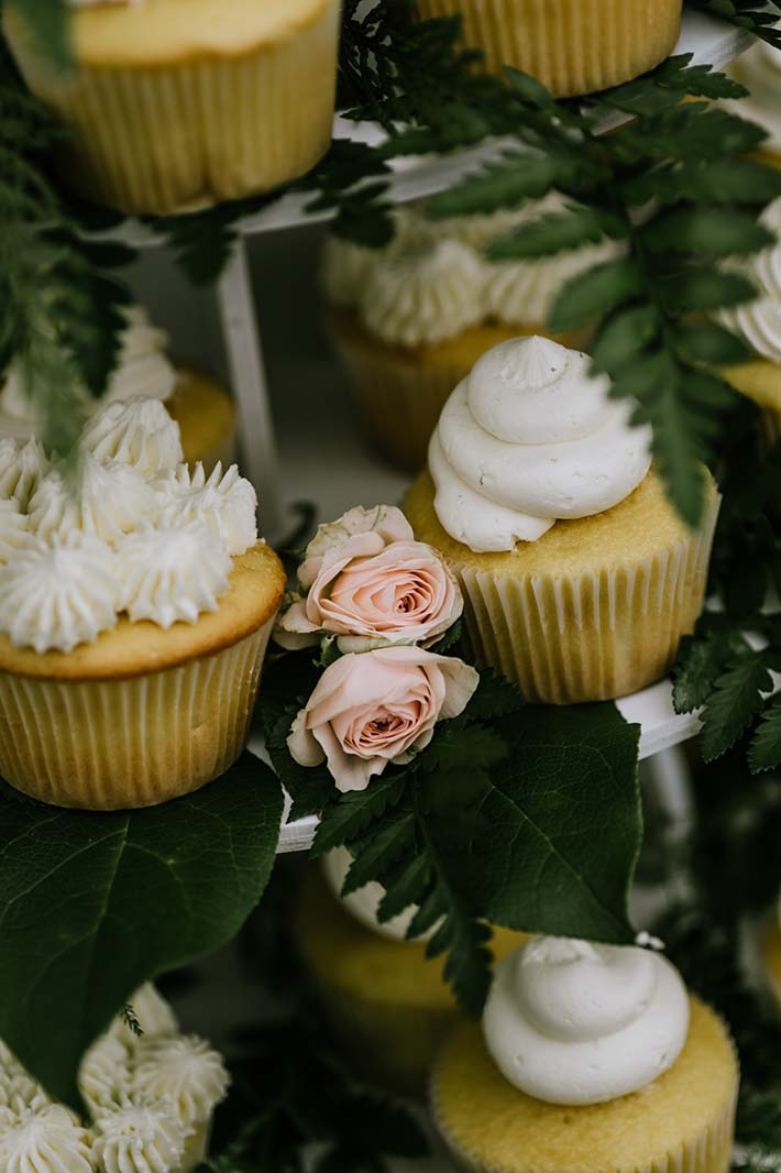 photographing-details-cupcake-flower.jpg