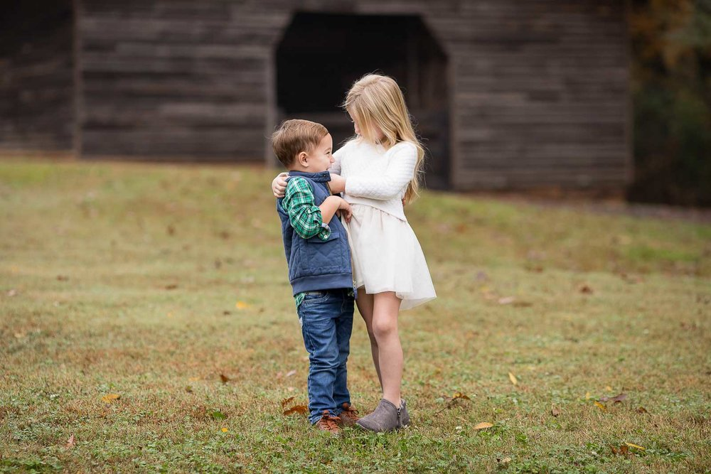 mini-session-poses-for-families-marcie-reif-4.jpg