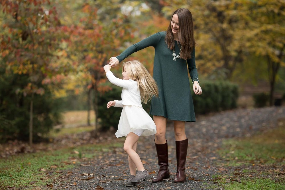 mini-session-poses-for-families-marcie-reif-16.jpg