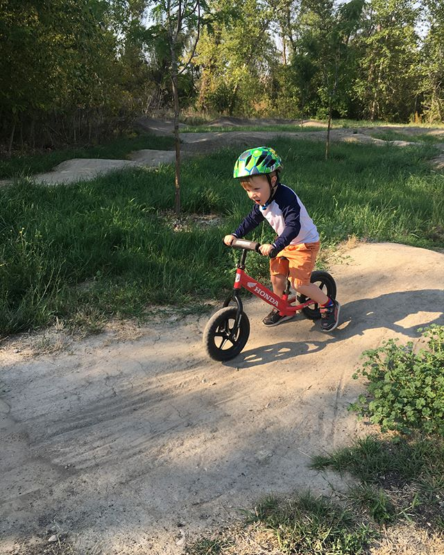 #jacobhawke and his first trip to the pump track, next time we'll have some pads for him. 😬