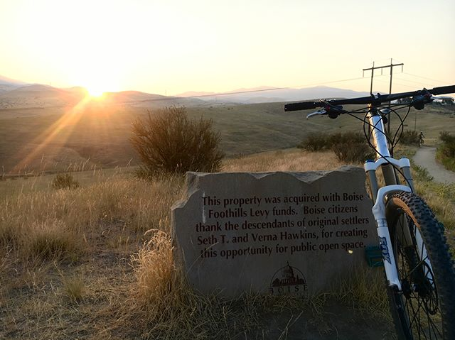Fun sunrise ride this morning, working on the #boisetrailschallenge exploring some new routes