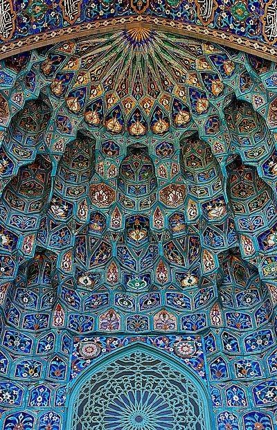 creativetravelspot :     Saint Petersburg Mosque, Russia     Look Up