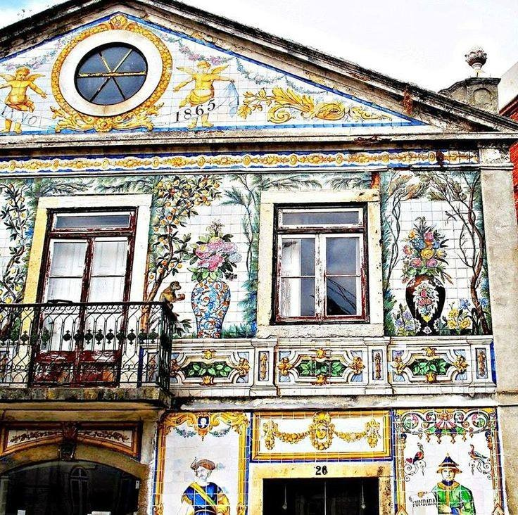 creativetravelspot :     #Lisbon tile façade building with #masonic icons #Portugal. (photo: M. Bronzatti)