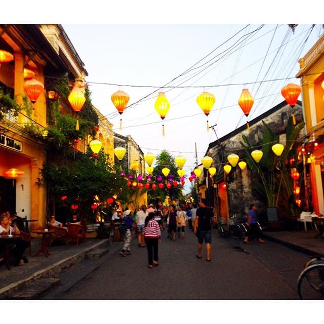 City Lights ✨✨ Ancient Quarter - Hoi An, Vietnam  #dualcitizen #dualcitizentravels #vietnam #travel #explore #international #discover #asia #city #world #life