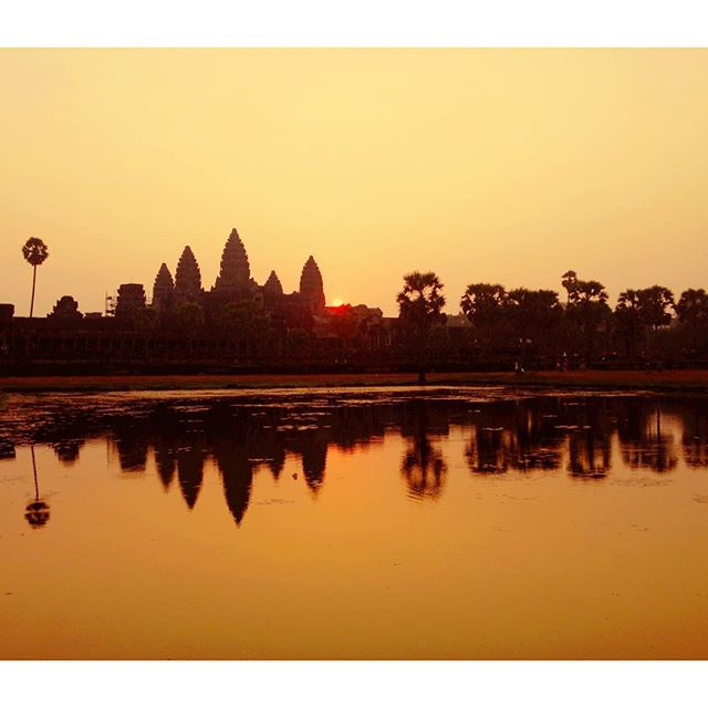🌅 at Angkor Wat  #dualcitizen #dualcitizentravels #angkorwat #siemreap #cambodia #travel #asia #wanderlust #temple #beauty