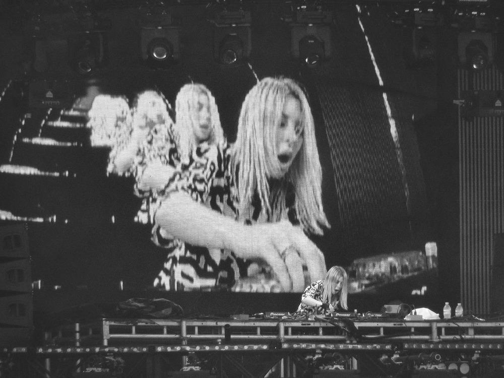 DJ-02.jpg