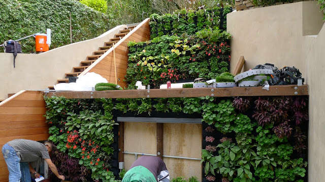 Tom Brumfield, SiteworksLandscape, Berkeley, California. Florafelt System