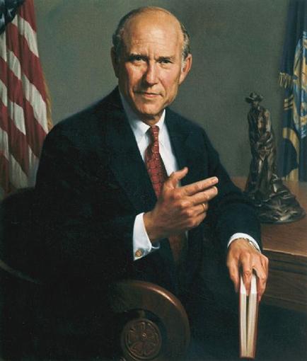 US-Senator-Pat-Roberts-Priore-Portrait.jpg