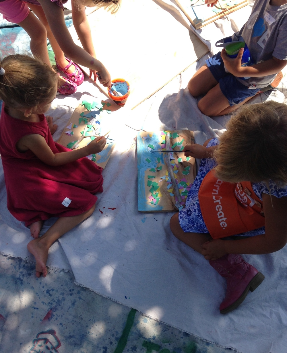 8/1/15 3-5 year olds making nature-inspired art in my backyard during a three day Wild art camp.If you're interested in signing your kids or yourself up for a private lesson, read more about it here: Private Lessons