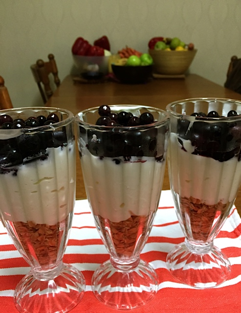 Berry Yoghurt Breakfast