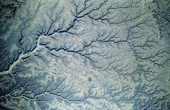 Drainage pattern, Yemen; NASA shuttle Earth observation photograph STS-41G, #17-36-039