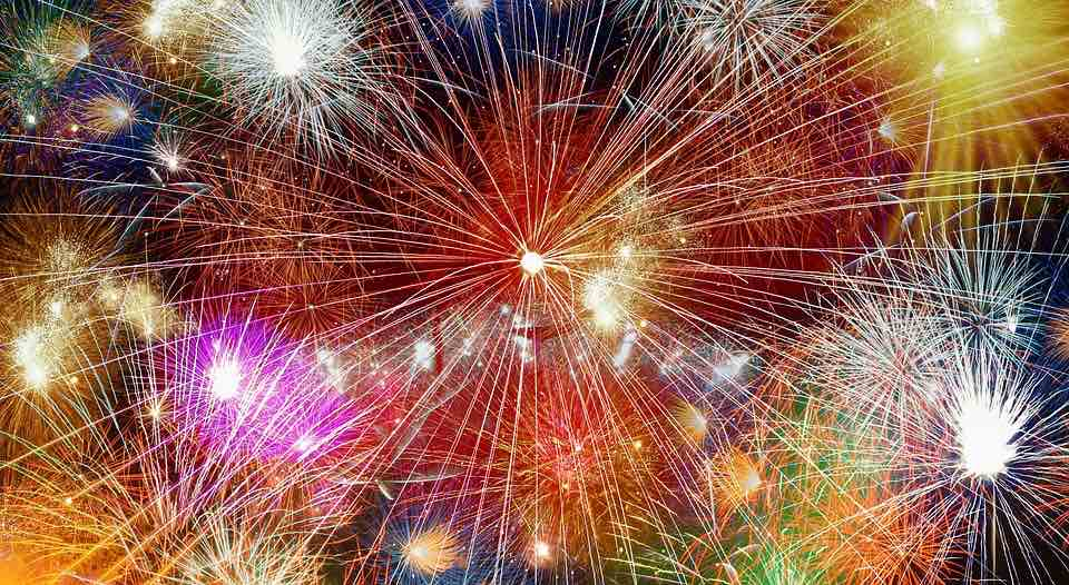 fireworks-2248223_960_720.jpg