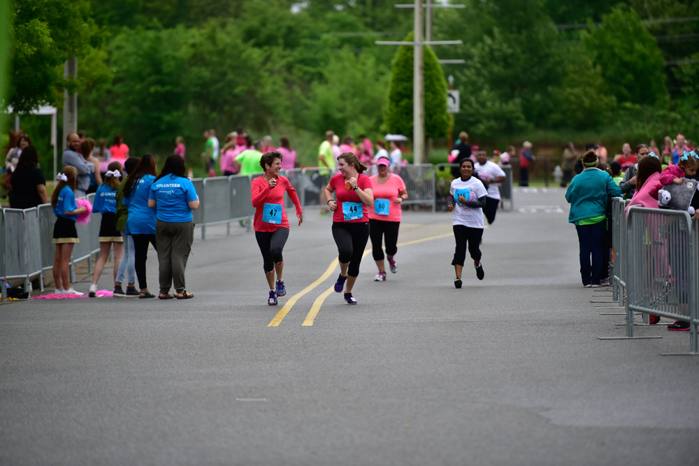 raceforthecure20160430-35.jpg