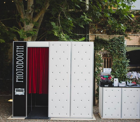PHOTOBOOTHS -
