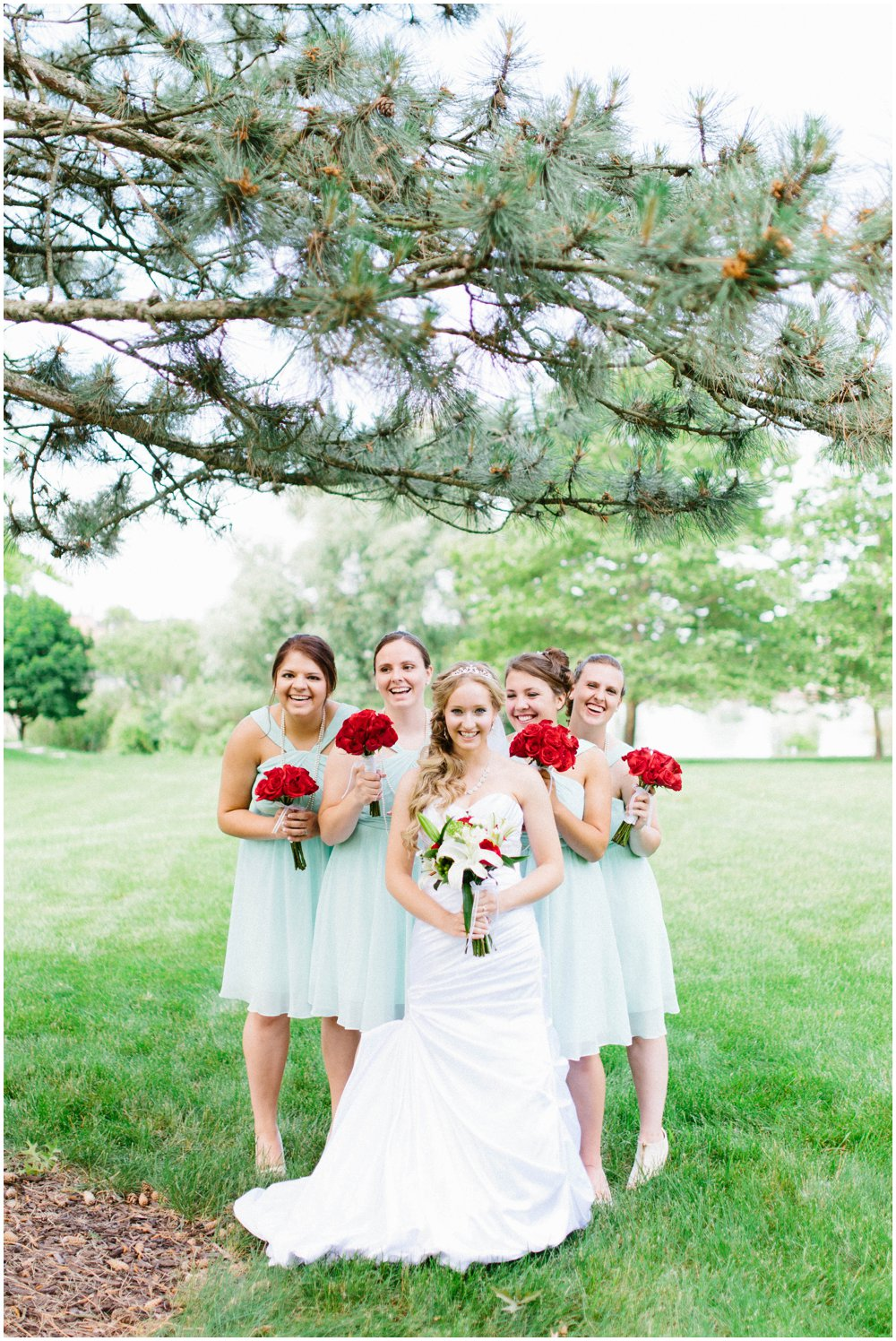Milwaukee Wisconsing wedding Photos Outdoors.jpg