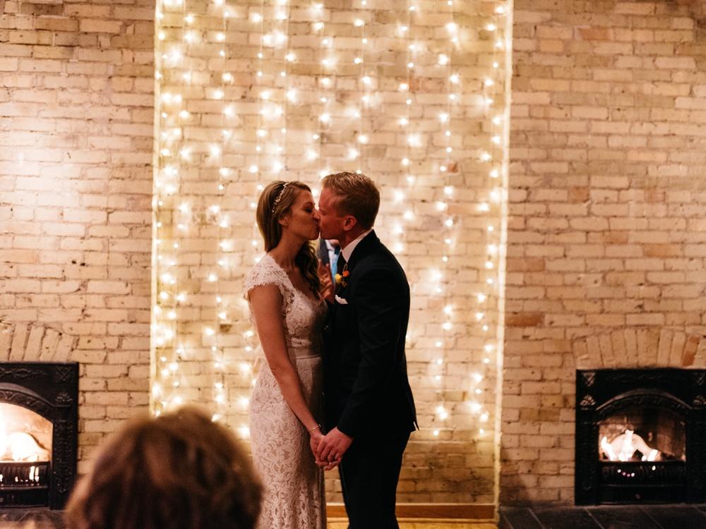 Onesto Wisconsin Milwaukee Wedding Photographer_0039.jpg