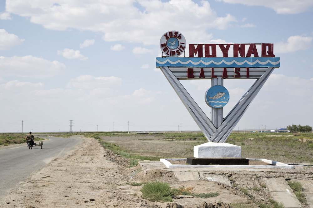 Moynaq, l'ingresso del paese