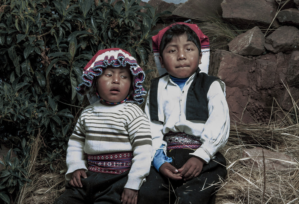 Uros children of the lake. lake titicaca /  Peru