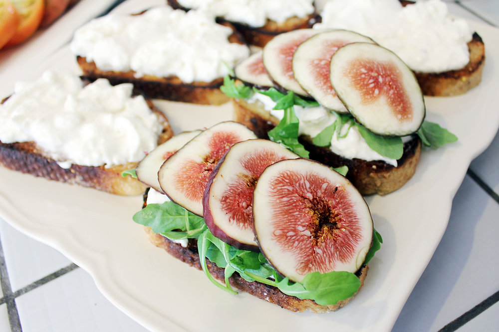 Doesn't the fig look so pretty?!