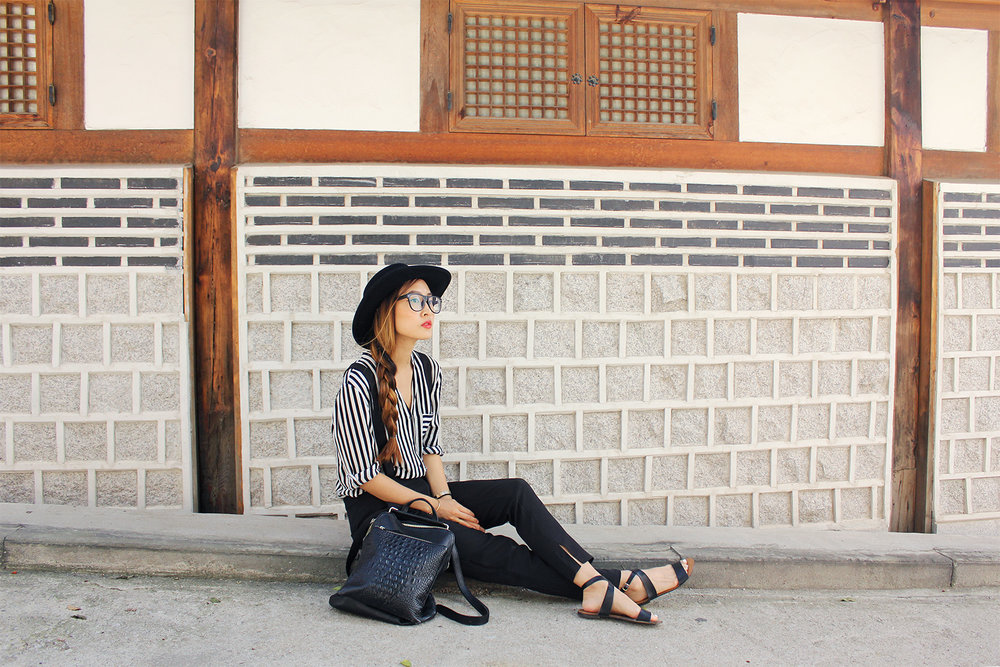 Monochrome overalls and beautiful hanji windows.