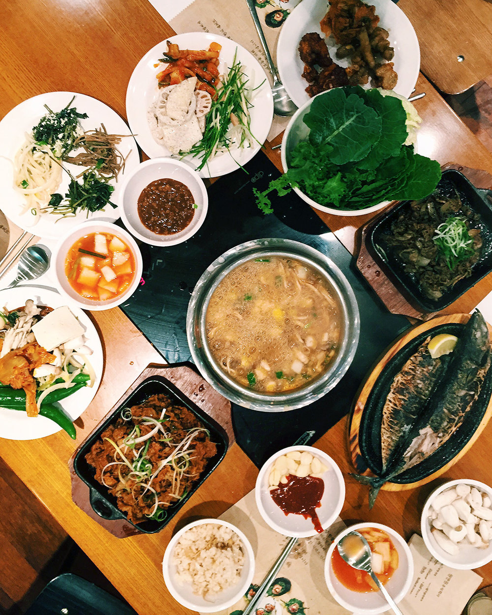 Won Halmuni Bossam - Gungang Ssambap (원할머니 보쌈 건강쌈밥)  Dish: Doenjang jjigae, Bulgogi, Fried mackerel, Vegetable Ssam, Banchan, etc. Address: 1685 Won Halmuni 3rd Floor, Hwang hak-dong, Joong-gu, Seoul 종구 황학동 1685 번지 원할머니 본가 3층층  Website