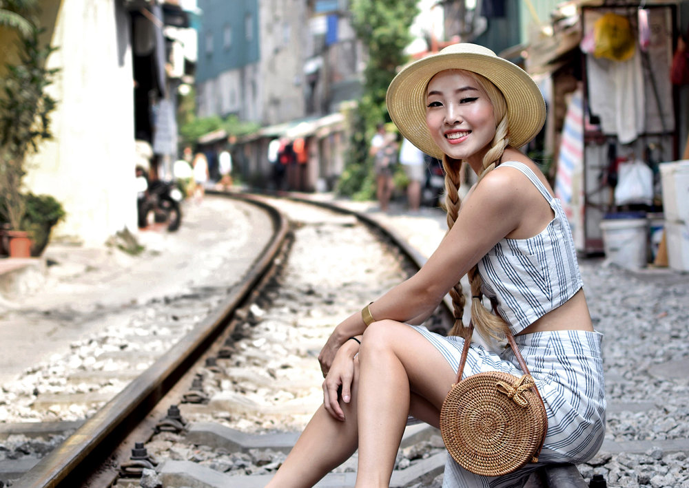WHAT I WORE IN VIETNAM | EXPLORING HANOI OLD QUARTER