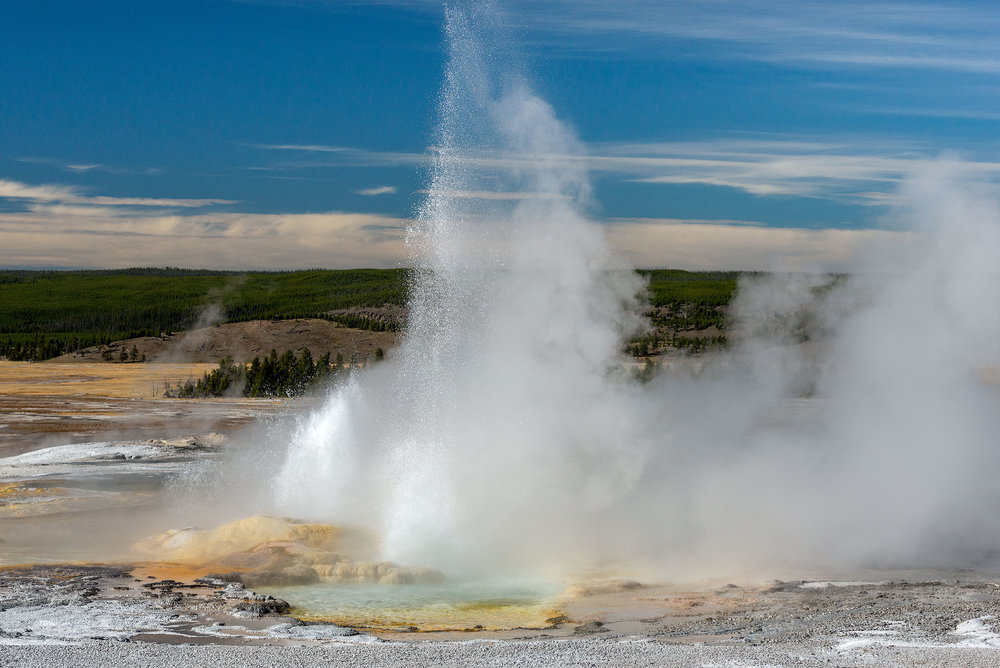 2016_10-Yellowstone-Geyser2.jpg