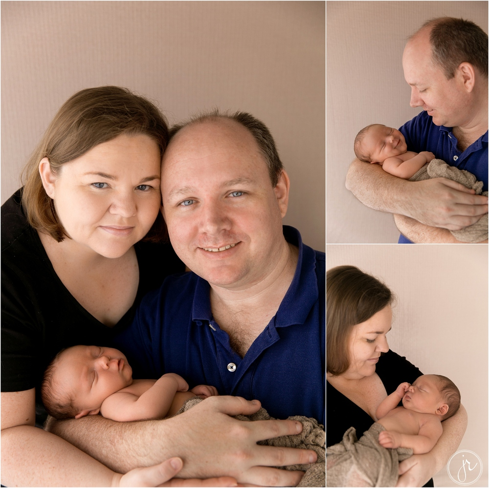 gold coast newborn photographer family photos with baby upper coomera