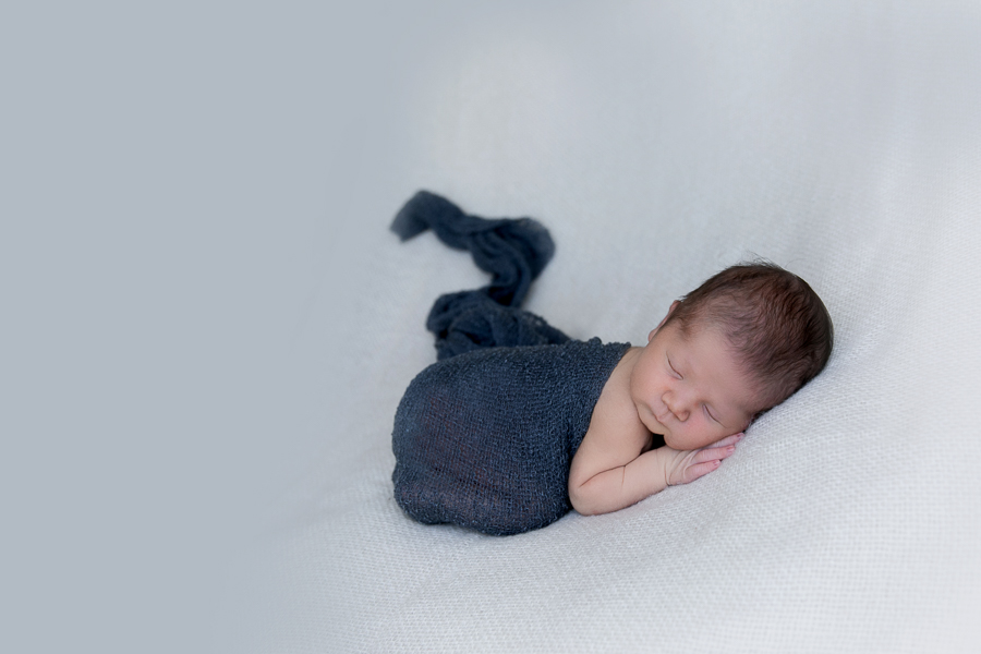 newborn photos baby photography gold coast upper coomera benowa
