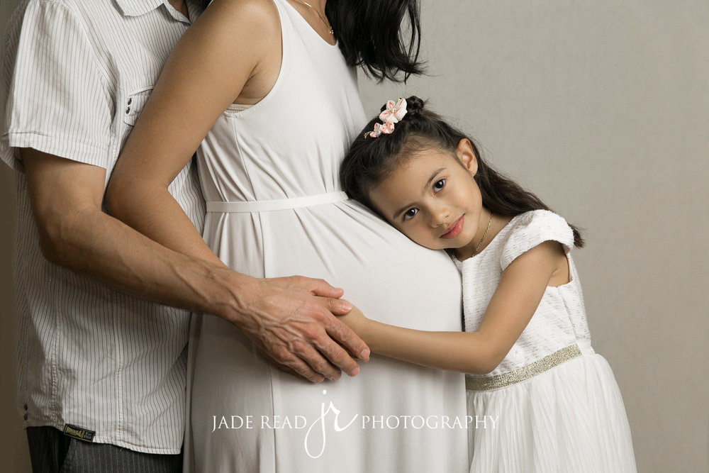 maternity pregnancy gold coast baby photographer jade read photography maternity big sister baby boy