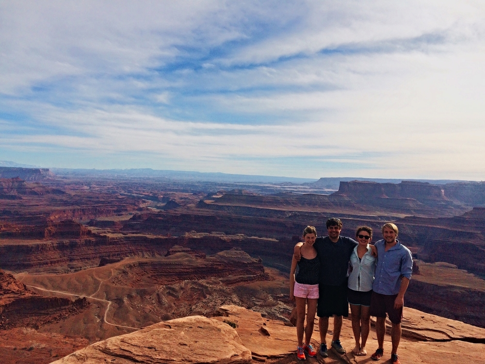 Sarah wearing the same inflatable shirt, slightly more deflated this time. #slimliving The view from Dead Horse Point into Canyonlands NP, Utah