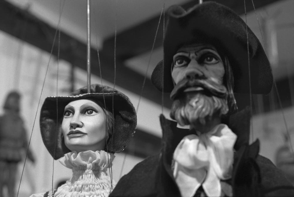 Puppets_007_300_1500.jpg