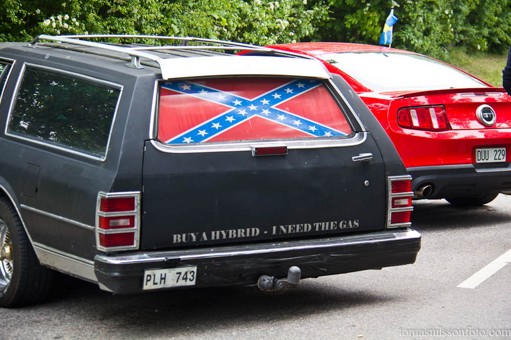 I've never understood why some car people around here are so obsessed with the confederate flag. I don't think they want to support a regime that was in favor of slavery...so why use it?