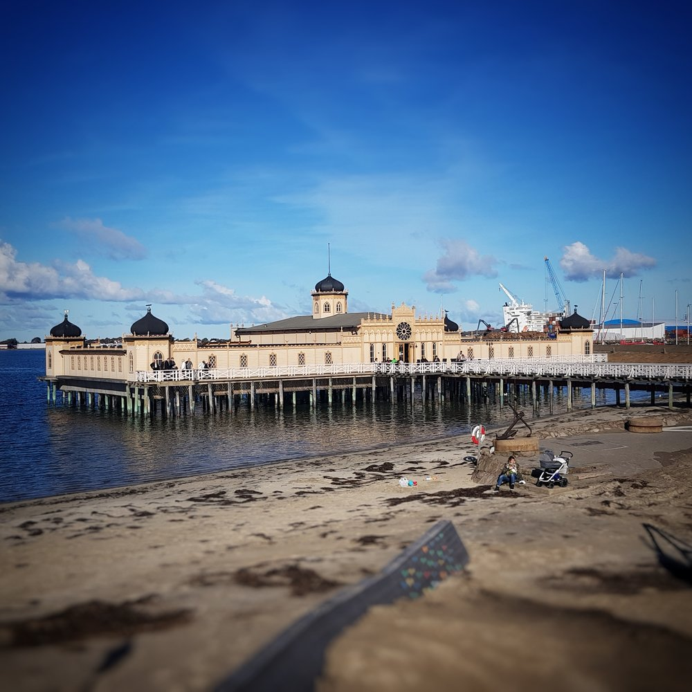 Day 283 - October 10: Bathhouse