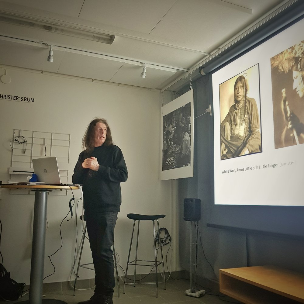 Day 14 - January 14: History lecture at the photo club