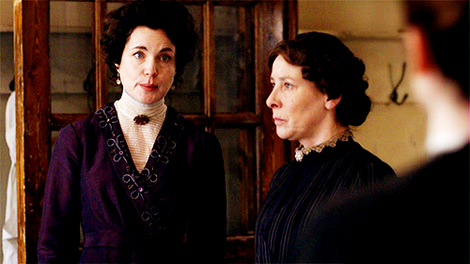 ELIZABETH MCGOVERN AS LADY GRANTHAM ON, DOWNTON ABBEY