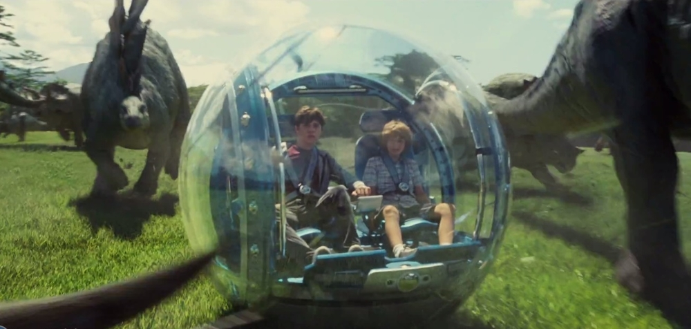 Nick Robinson and Ty Simpkins in the Gyrosphere