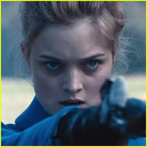 Bella Heathcote as Jane Bennet