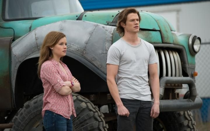 Jane Levy and Lucis Till in, Monster Trucks