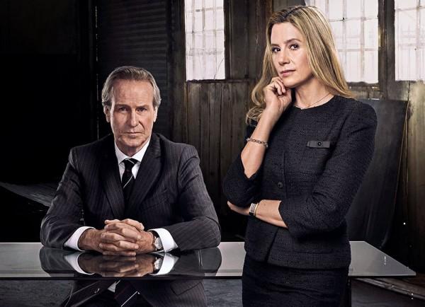 William Hurt and Nira Sorvino in, Condor