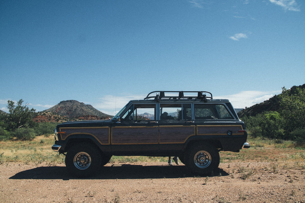 ROAD TRIP - 1989 Jeep Grand Wagoneer
