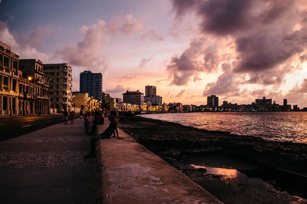 Habana_Centro_Malecon_1.jpg