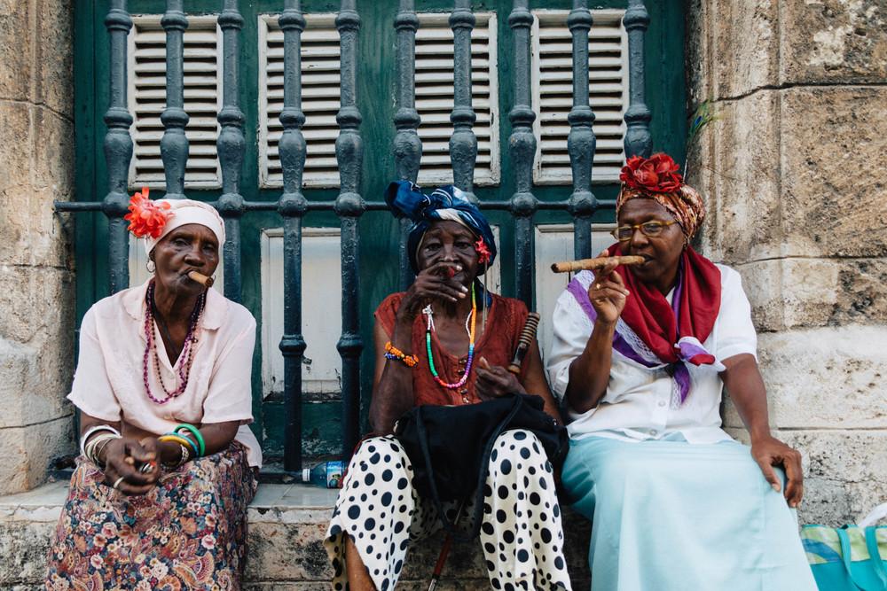 Habana_Vieja_Cigar_Ladies.jpg